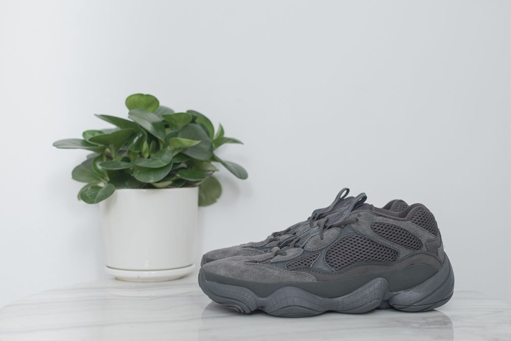 YEEZY DESSERT RAT 500 BLACK