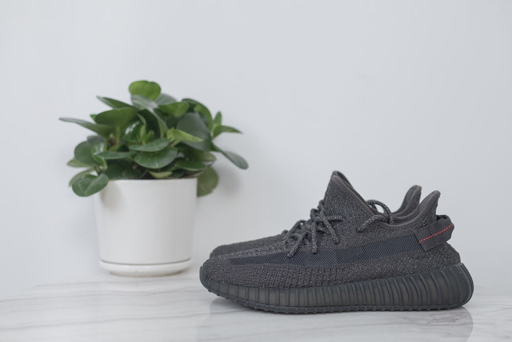 ADIDAS YEEZY BOOST 350 V2 BLACK STATIC REFLECTIVE