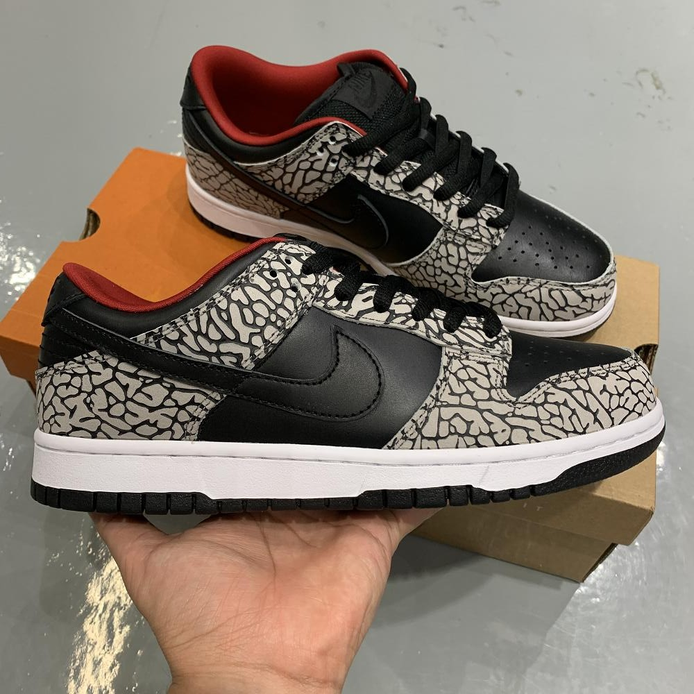 Supreme x Dunk Sb low NYC Black cement