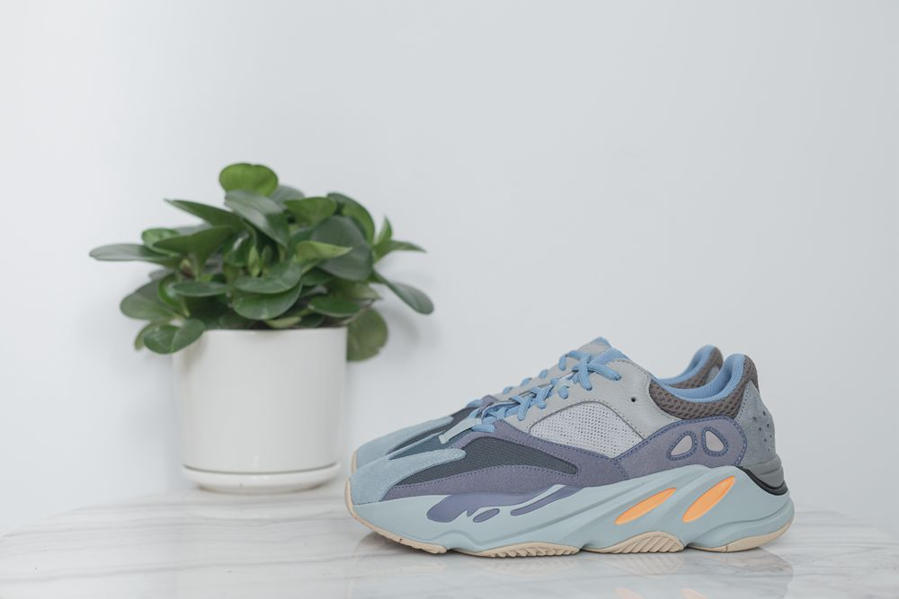 Yeezy Boost 700 'Carbon Blue'