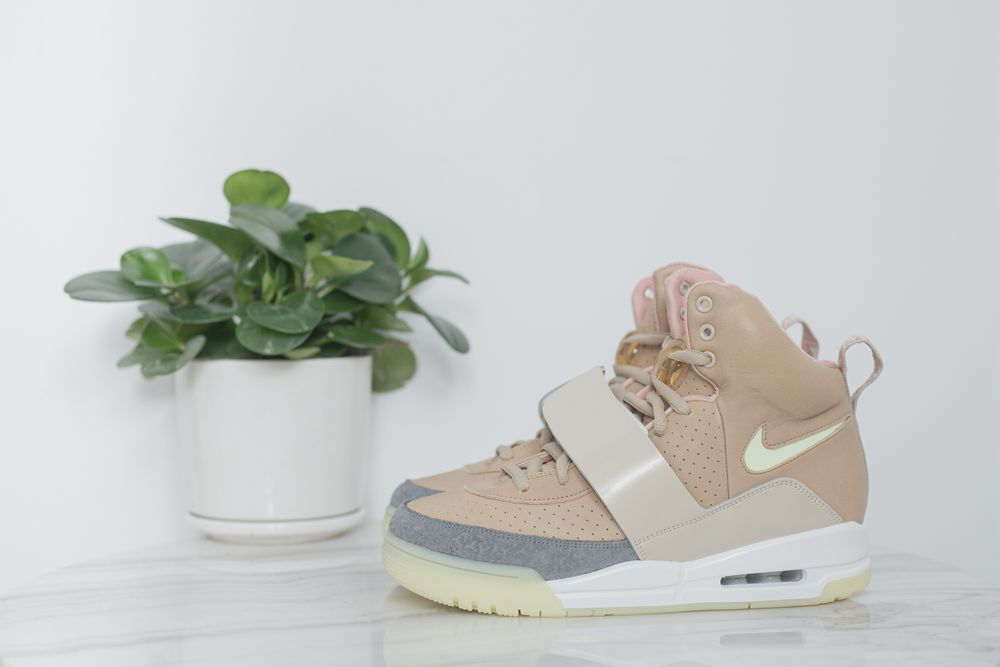 NIKE AIR YEEZY1 NET TAN