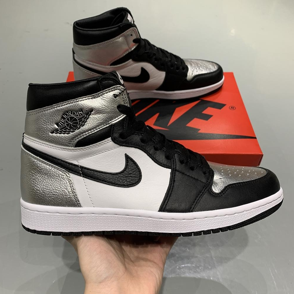 Jordan 1 Retro High Silver Toe