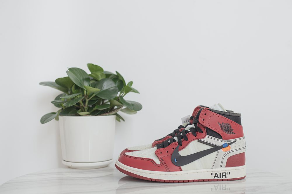 Air Jordan1 ow Chicago