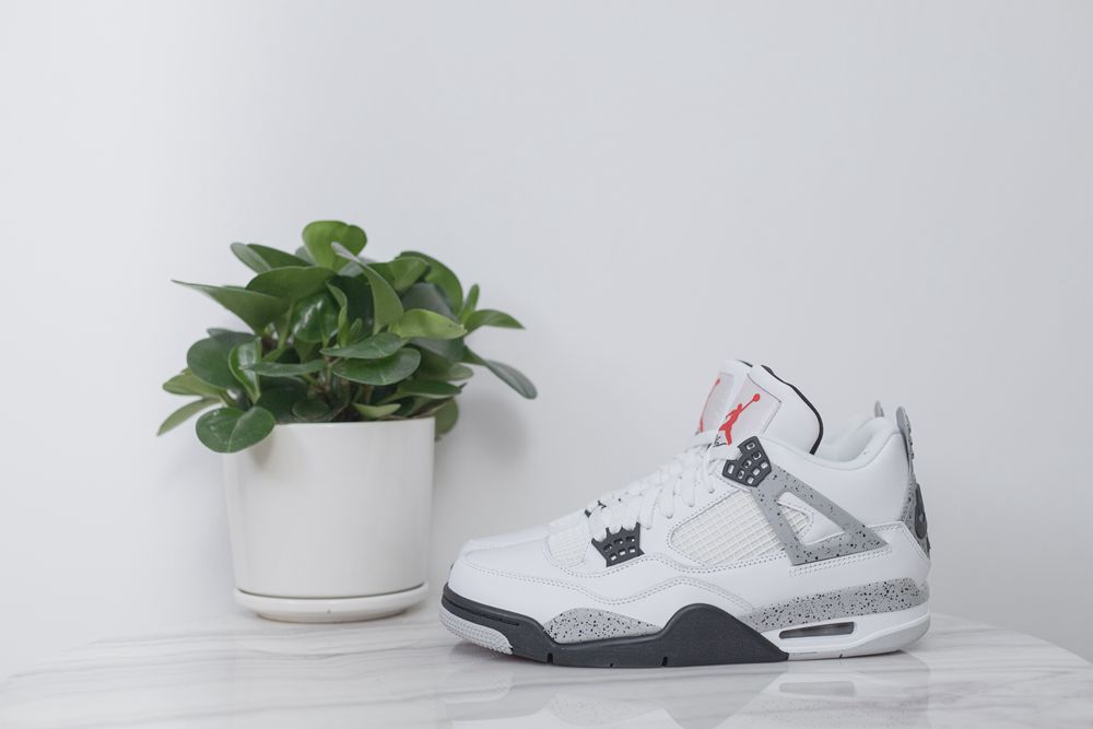 Air Jordan4 White cement