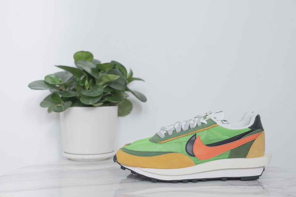 Run big one size ! Sacai x nike 4
