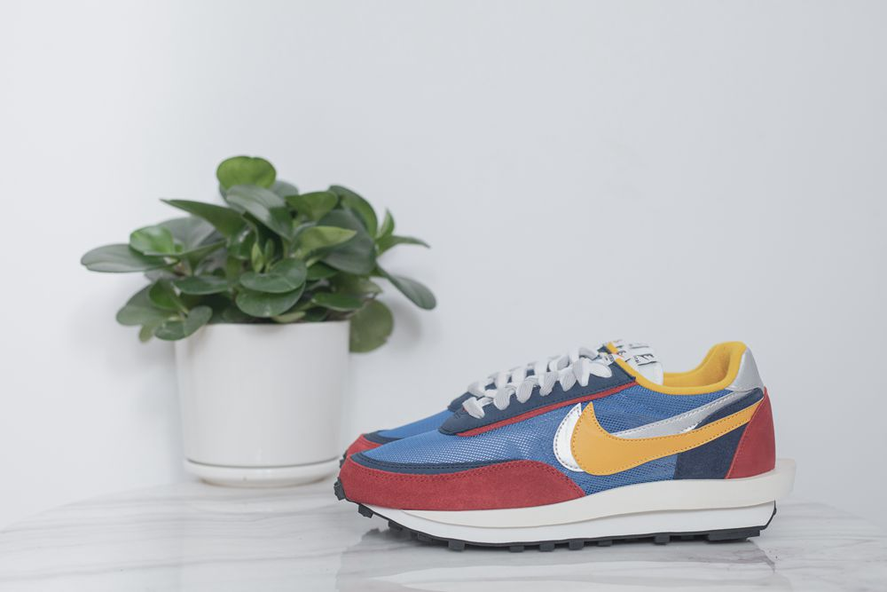Run big one size ! Sacai x nike 3